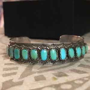 Jewelry - Vintage SS/Turquoise Native American Cuff